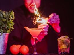 verlichte cocktailbar huren